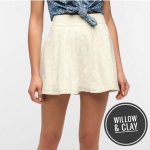 Willow & Clay Cream Lace Skirt [small]